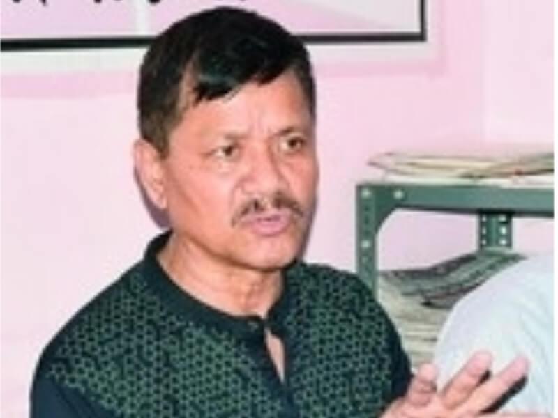 जोबथा एन.आर.चीखौ बिबानगिरिफोरा गोख्रों नायबिजिरनांगौ: अनुप चेटिया