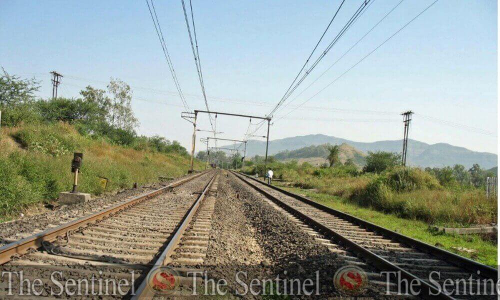 आसामनि रेल लामा जौगाखांनाय खामानिफोरा साम' मानबायनायबादि थांगासिनो