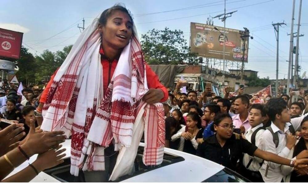 गिबि मनट्रिआ हिमा दासखौ बरायबाय, 1.6 कौटी रांनि बान्थाखौ गथायबाय