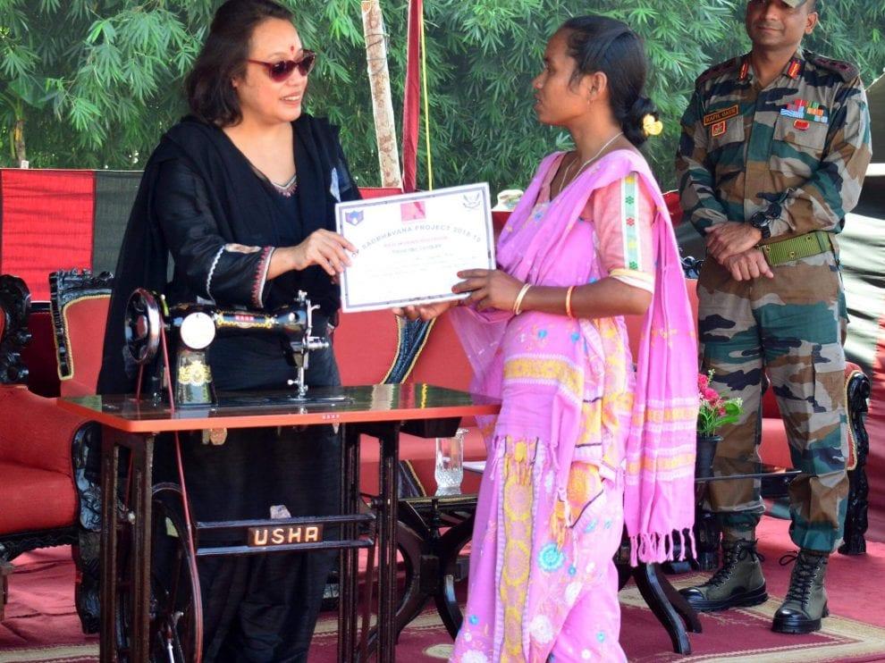 बक'आव भारतीय आर्मिआ जि सुग्रा मशीन गथायदों